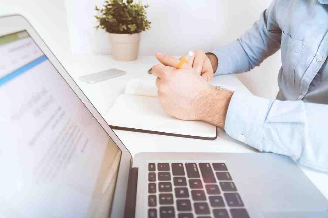 Comment un commercial doit aborder un client ?
